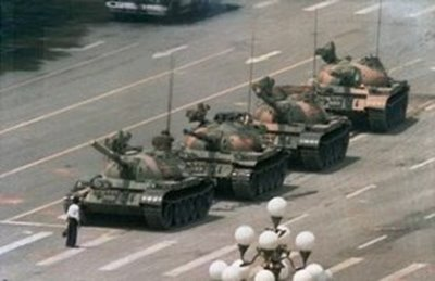 REBELDE CHINÊS - FOTO -tank man_widener
