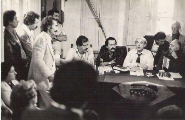 na fundação do partido em curitiba. stênio jacob (hoje presidente da sanepar), jb vidal, LEONEL BRIZOLA. 09/80.