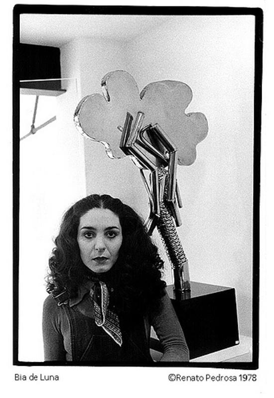 a poeta BIA DE LUNA. in memoriam.