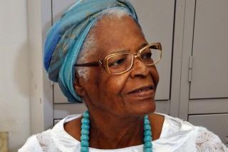 Mãe Stella de Oxossi na Academia de Letras da Bahia discurso de posse